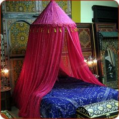 bohemian style home | CLOSED Bohemian Style at Home 1 / moroccan-canopy bed - smallrooms