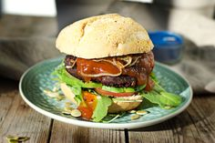 You will fall in love with my vegan Black Bean Burger right away. Delicious and easy with only 3 vegan and glutenfree ingredients. Burger Recipes, Vegetarian Recipes, Fun Cooking, Cooking Recipes, Flammkuchen Vegan, Burger Co, Sandwiches, Black Bean Burgers, Vegan Burgers