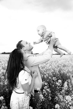 RaeTay Photography » Family of 3, family pictures, Children Photography, Family Photography, Photography Poses, Wedding Photography, Family Of 3, Family Pictures, Couple Photos, 1 Year Pictures, Poses For Pictures