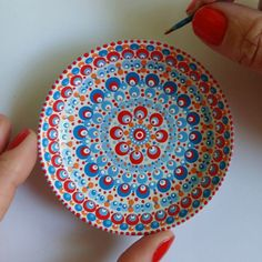 This plate travels with me to Uganda ♡ Pottery Painting, Ceramic Painting, Stone Painting, Pottery Art, Ceramic Art, Painting On Wood, Mandala Canvas, Mandala Dots, Mandala Painting