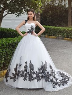 Beautiful White A-line Sweetheart Neck Lace Tulle Bride's Wedding Dress