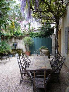 French Cottage Garden, Cottage Garden Patio, Cottage Gardens, French Country Gardens, Farmhouse Garden, Country French, Garden Table, Country Style, Pergola Patio