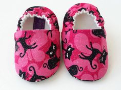 Cotton Fleece, Cotton Fabric, Handmade Baby, Organic Cotton, Baby Shoes, Comfy, Pairs, How To Wear, Collection