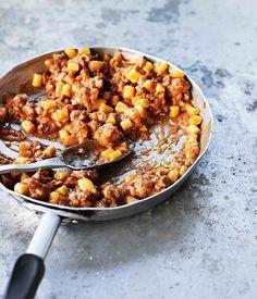 Ciciones pasta with pork sausage sauce (ciciones alla Campidanese) :: Gourmet Traveller