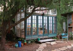 outdoor studio. would love this for my bead studio.