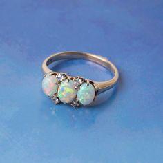 Vintage three stone opal ring <3
