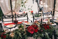 Пленительный цвет Марсала, стол молодоженов - The-wedding.ru