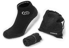 裸足でLEGOの上を走る男たちにおすすめしたい。タフな外履き用靴下「SKINNERS」|ギズモード・ジャパン