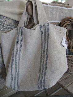 Sacs Design, Scrap Fabric Projects, Burlap Bags, Diy Bags Purses, Sack Bag, Boho Bags, Linen Bag, Fabric Bags, Handmade Bags