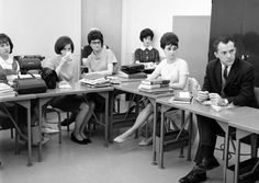 1967 photo of students in business class at Portland State University in Oregon; founded in 1946; source: @PSU_Alums