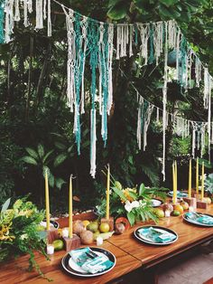 My friend and incredible floral designer, Liza Lubell of Peartree flowers, has made it her mission to spend all her vacation timeat the beach in Nosara, Costa Rica, ideally surfing. Whenever we ta...