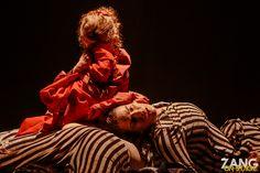 O caos e o terror vividos pelos judeus durante a Segunda Guerra Mundial contados de uma forma surpreendente!  SHOAH é um espetáculo de dança que não usa sequer uma palavra, mas emite uma linda e forte mensagem através do corpo, através da dança!  Espetáculo: SHOAH Cliente/Produção: InCena Produções João Pessoa, 12 de agosto de 2016
