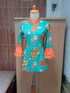 Mode Batik, Blouse Batik, Hijab Fashion, Cold Shoulder Dress, Mary, Dresses With Sleeves, Long Sleeve, Tops, Sleeve Dresses