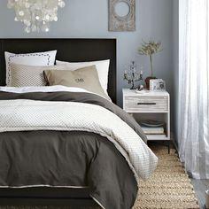 Dark gray and light blue bedroom - guest bedroom Home Bedroom, Master Bedroom, Bedroom Decor, Bedroom Ideas, Calm Bedroom, Design Bedroom, Home Renovation, Home Remodeling, Slate Blue Bedrooms