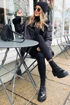 all black winter outfit Winter Outfits For Teen Girls, Casual Winter Outfits, Winter Fashion Outfits, Autumn Fashion, Glamouröse Outfits, Trendy Outfits, Fall Outfits, Grunge Outfits, Tumblr Outfits