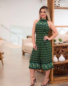 Iranian Women Fashion, Womens Fashion, Curvy Fashion, Plus Size Fashion, Plus Size Jumpsuit, Designs For Dresses, African Attire, Elegant Outfit, Classy Women