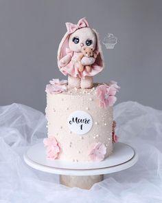 Candy Birthday Cakes, Bithday Cake, 4th Birthday Cakes, Beautiful Birthday Cakes, Christening Cake Girls, Cake Designs For Girl, Beautiful Cake Designs, Mini Wedding Cakes, Rabbit Cake