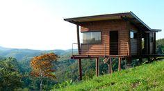 Projeto: Cabana Arquitetos: André Eisenlohr + Estêvão Menegaz  Construção: Luciano Silva dos Santos  Metragem: 65m2   Data de construção: 2...