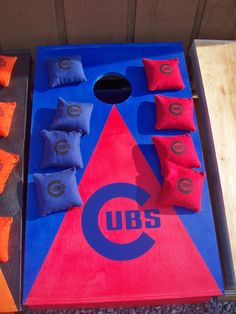 Chicago Cubs bags WANT. But I'd want the Blackhawks one too, and then I'd have to switch between boards so that I treat my teams fairly...