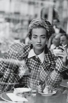 Tatjana Patitz, French Vogue, Cafe de Flore, Paris