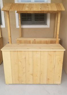 Lemonade Stand/Childrens Wood stand Kids Lemonade Stands, Outdoor Tiki Bar, Wood Wall Design, Food Cart Design, Candy Stand, Patio Bar Set, Backyard Bar, Food Stands, Diy Pallet Projects