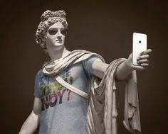 What if the antique statues were dressed like hipsters? The artist and photographer Léo Caillard became famous in 2012 with his Hipsters in Stone series… Estilo Hipster, Hipster Style, Roman Sculpture, Sculpture Art, Hipsters, Art Antique, French Photographers, First Photograph, Art Series
