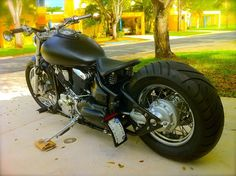 v star 1100...looks like my brother in laws