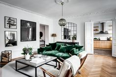 discover the place of the decor: With green