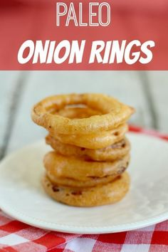 Paleo Onion Rings are deep-fried and amazing! You won't miss fast food anymore!These Paleo Onion Rings are deep-fried and amazing! You won't miss fast food anymore! Paleo Onion Rings, Onion Rings Recipe, Paleo Recipes Easy, Whole Food Recipes, Primal Recipes, Free Recipes, Paleo Vegetables, Paleo Side Dishes, Paleo Appetizers