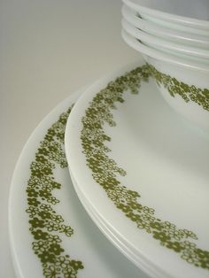 I got these dishes as a wedding present when we got married.  Loved those dishes.