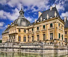 The top things to see in Paris, not on the usual top 10 lists  http://www.aluxurytravelblog.com/2013/01/10/the-top-things-to-see-in-paris-not-on-the-usual-top-10-lists/