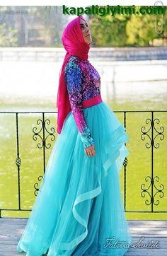 Kapalı gelinlik ve nişanlık abiye modellerimize Fatma Sevildi tasarımları olan çok şık ve gösterişli Nişan abiyeleri ve şahane gelinlik modelleri ile devam ediyoruz. Fatma Sevildi Modaevi gelinlik ...