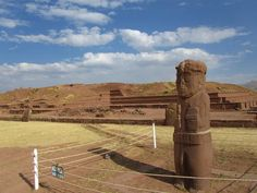 The city of Tiwanaku, capital of a powerful pre-Hispanic empire that dominated a large area of the southern Andes and beyond, reached its apogee between 500 and 900 AD. Its monumental remains testify to the cultural and political significance of this civilisation, which is distinct from any of the other pre-Hispanic empires of the Americas.