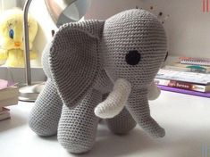 If we simply describe the amigurumi toy logic; This model must be special to the type of knitting, which can be called amigurumi doll. Amigurumi Elephant, Amigurumi Toys, Christmas Knitting Patterns, Crochet Patterns, Knitting Stitches, Free Knitting, Diy Crochet, Crochet Hats, Fibres
