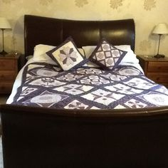 Downton quilt with cushions