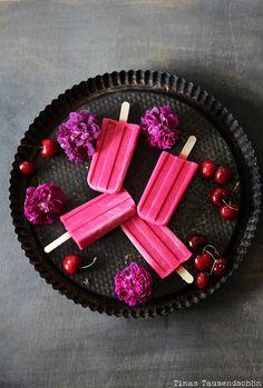 Cherry Frozen Yogurt Popsicles ☞ Alternative recipe: Black Cherry Yogurt Ice Pops http://communitytable.com/26708/emilyzaiden/black-cherry-yogurt-ice-pops/ #recipe #pink