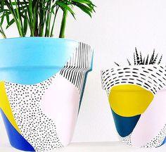 More pots coming soon!Love these colorful plant pots! Painted Plant Pots, Painted Flower Pots, Diy Garden Furniture, Diy Garden Decor, Furniture Ideas, Garden Ideas, Boho Decor Diy, Do It Yourself Wedding, Terracotta Pots