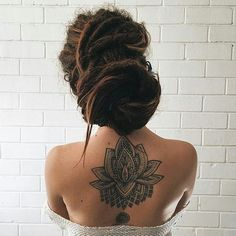 #dreadStyle #dreadhead #dreads #dreadlocks #dreadhair #dreads #dreadgirl Hair Inspo, Hair Inspiration, Rasta Girl, Dread Accessories, Reggae Style, Beautiful Dreadlocks, Dreads Girl, Dreads Styles, Tattoo Feminina