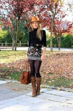 Boho fashion fall outfit that is simply gorgeous! We love the patterned mini ski… Boho fashion fall outfit that is simply gorgeous! We love the patterned mini skirt and boots! Boho Fashion Fall, Fall Fashion Outfits, Mode Outfits, Look Fashion, Stylish Outfits, Womens Fashion, Fashion Trends, Ladies Outfits, Classy Fashion