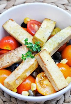 Grilled Smoked Tofu Tomato Salad + photos from the garden | Gourmandelle.com