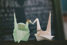 """縁起の良いアイテムで、幸せを呼び込もう♡海外発おしゃれな""""折り鶴""""のウェディング活用術♩にて紹介している画像"""