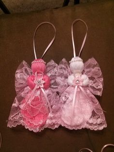Items similar to String Angels - Angel ornament - String ornament - Christmas ornament - Wedding favor on Etsy Shabby Chic Christmas Ornaments, Christmas Angel Ornaments, Christmas Gifts For Men, Angel Crafts, Christmas Crafts, Christmas Ideas, Craft Font, Breast Cancer Crafts, Ornament Wedding Favors