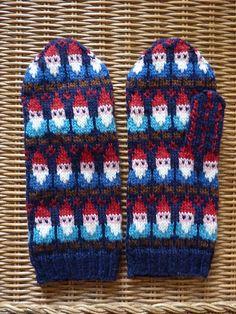 Crochet Socks, Knit Mittens, Mitten Gloves, Knitting Socks, Knitted Hats, Knit Crochet, Knit Socks, Penny Rugs, Ravelry