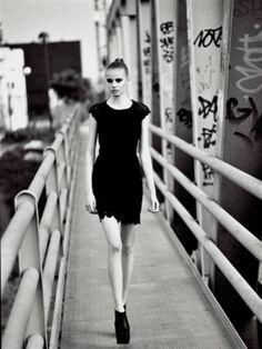 DALI MOS - Agency: L'agence, Lisboa, Portugal - altura 179 • busto 85 • cintura 62 • anca 87 • confecção 36 • sapato 40 • olhos Verde • cabelo Loiro