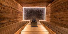 Design-Sauna im Alpenstil Sauna Design, Gym Design, House Design, Sauna Steam Room, Sauna Room, Sauna House, Home Gym Flooring, Bathroom Spa, Downstairs Bathroom