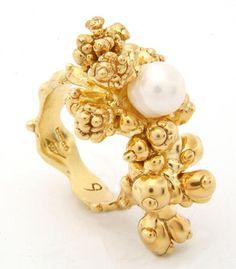 ring by ornella iannuzzi