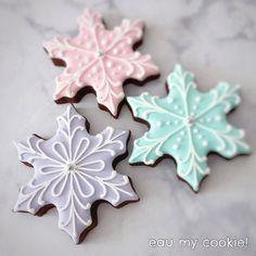 Snowflake cookies Star Sugar Cookies, Christmas Sugar Cookies, Christmas Treats, Frozen Pictures, Frozen Pics, Miss Cake, Cozy Christmas, Christmas Decor, Frozen Cookies
