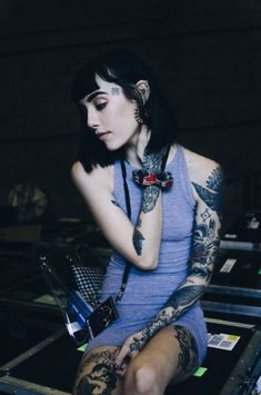 Beautiful Girls With Tattoos Hot Tattoos, Girl Tattoos, Thigh Tattoos, Hannah Pixie Snowdon, Hot Tattoo Girls, Girl Inspiration, Tattoo Inspiration, Poses, Girl Crushes