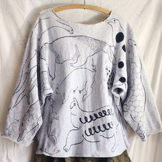 OMA overdrawing sweatshirt 62 〈satisfaction 〉mutation length,undead, 神話時代の動物たち animals of the mythical period Gray L #softs#_OMA#overdrawing#sweatshirt#champion