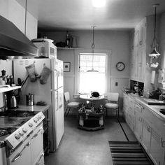 Awkward kitchen (before)